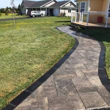 After - stone walkway using Triple H Covington in Slate with Onyx border